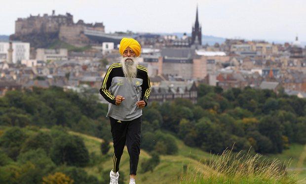 Fauja Singh, najstariji maratonac na svijetu 2011. kada je imao sto godina u Edinburgu, foto: Jeff J Mitchell / Getty Images